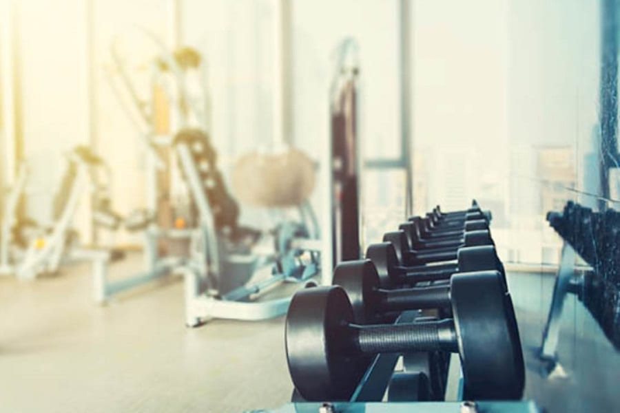 Is It Better To Work Out With Free Weights Or Machines?