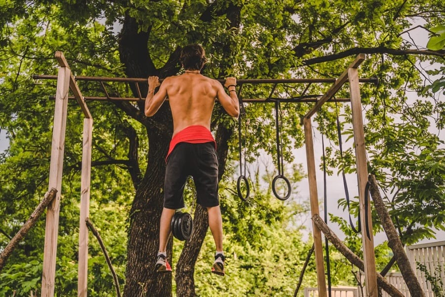 Make Your Own Outdoor Pull Up Bar