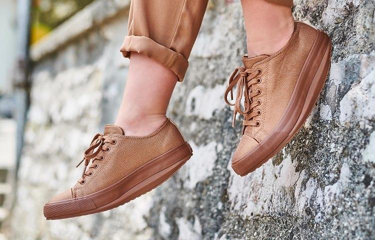 tonning or shape up shoes