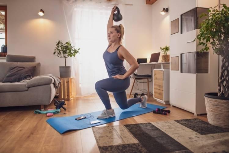 kettlebell exercises overhead lunge